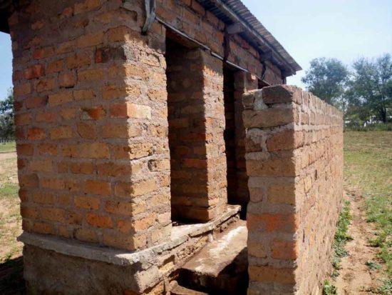 Kurusanga-toilets